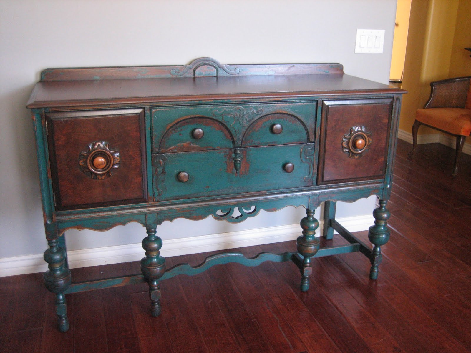 European paint finishes peacock green sideboard for Painted buffet sideboard