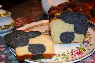 Muu-Muu Chleb na talerzu