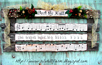 "alt=""deck the halls Christmas pallet art"""