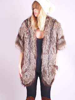Vintage 1950's grey-brown fox fur cape stole.
