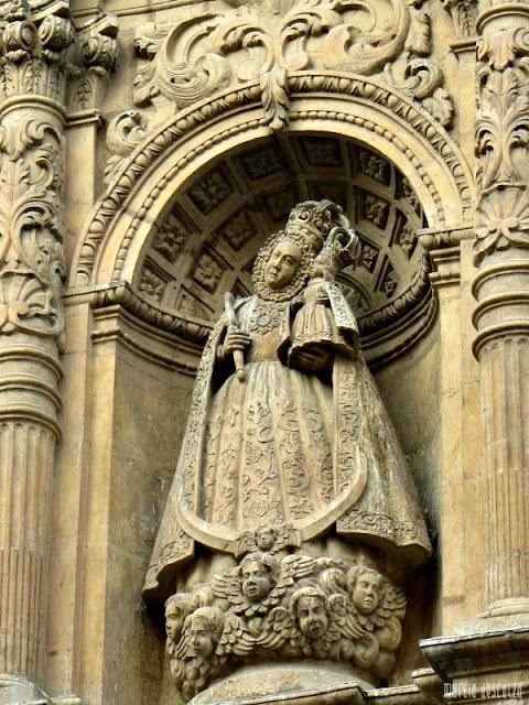 Virgen del cuello tuerto