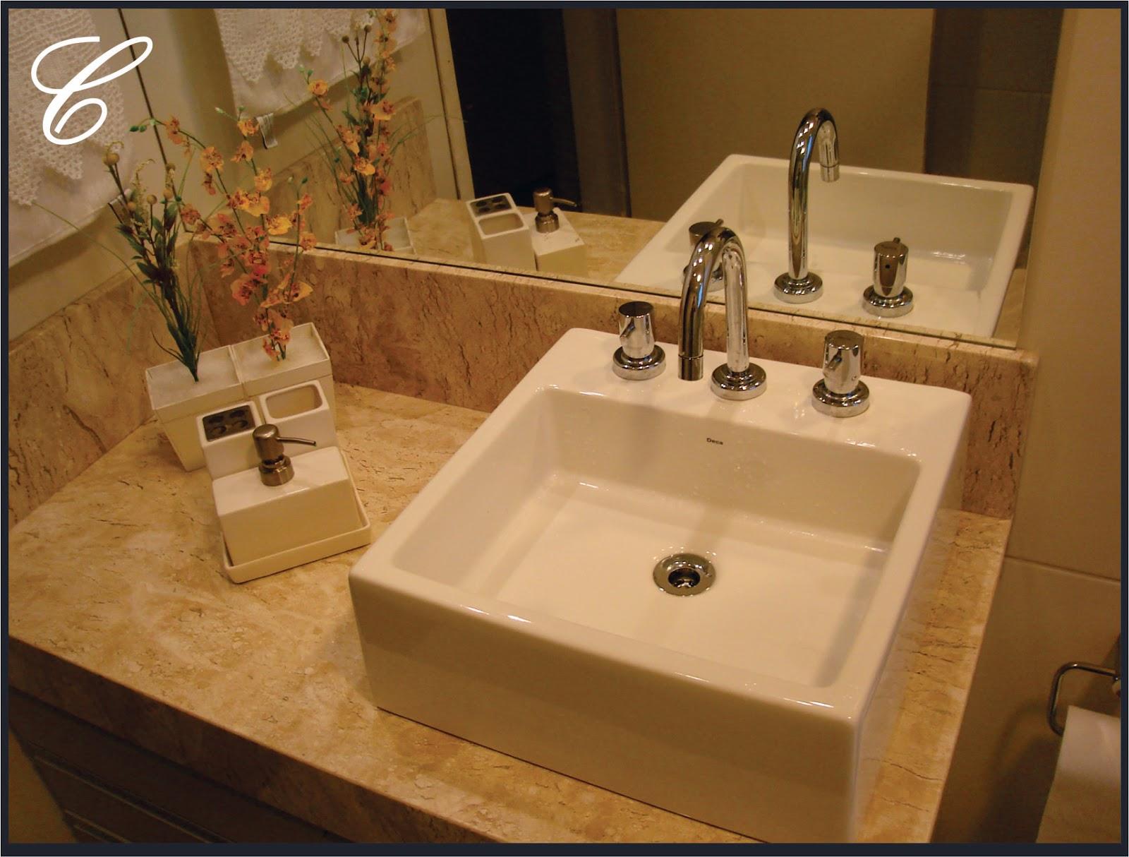 que vem à nossa mente é utilizar o branco mas não precisamos nos #71491F 1600x1214 Banheiro Antigo O Que Fazer
