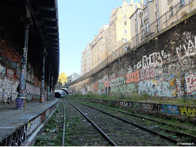 street art  gare de saint-ouen paris petite ceinture couronne graffiti tags rails