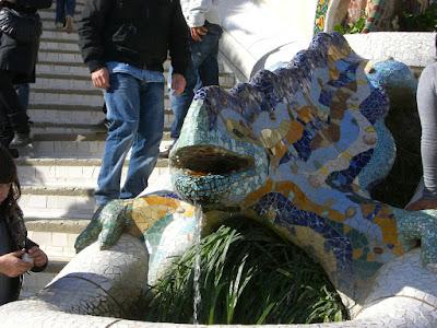 Gaudí dragon fountain in Park Güell