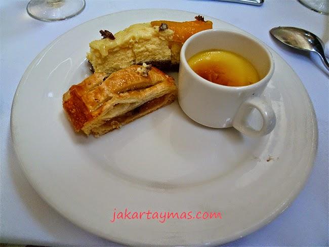 Crema catalana en el hotel Hyatt Regency de Yogyakarta