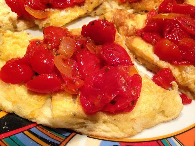 frittata soffice con pomodori caramellati