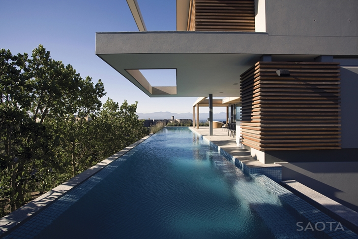 Long swimming pool of Beautiful Plett 6541+2 Home by SAOTA