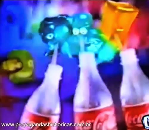 Propaganda dos Geloucos Roqueiros da Coca-Cola. Série apresentada em 1998. Colecionáveis de sucesso.