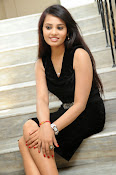 Actress Aarushi Glamorous Photos in Black-thumbnail-4