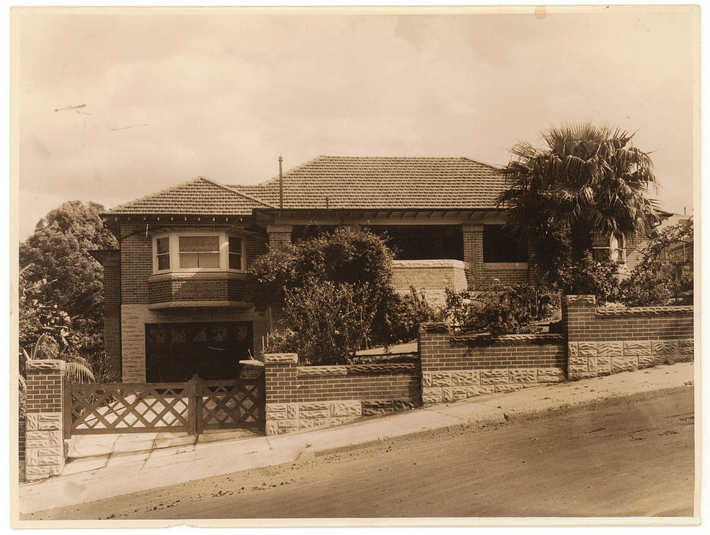 Brick House Ca 1940 Queenslander House And Car Ca 1930
