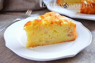 Torta di mele: fare intiepidire la torta e toglierla dallo stampo