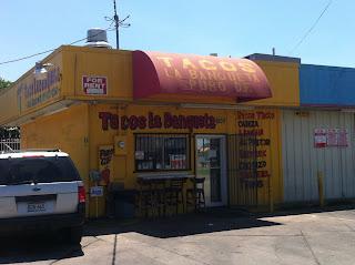 Tacos La Banqueta Dallas DFW Street Tacos Barbacoa BBQ Barbecue Barbeque Bar-B-Q Bar-B-Que