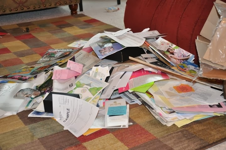 http://melissa-ididit.blogspot.com/2013/01/paper-clutter-be-gone.html