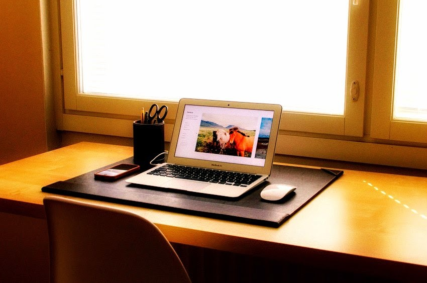 Morgan's Milieu | Re-defining Myself: A tidy desk with Macbook - if only mine was this tidy!