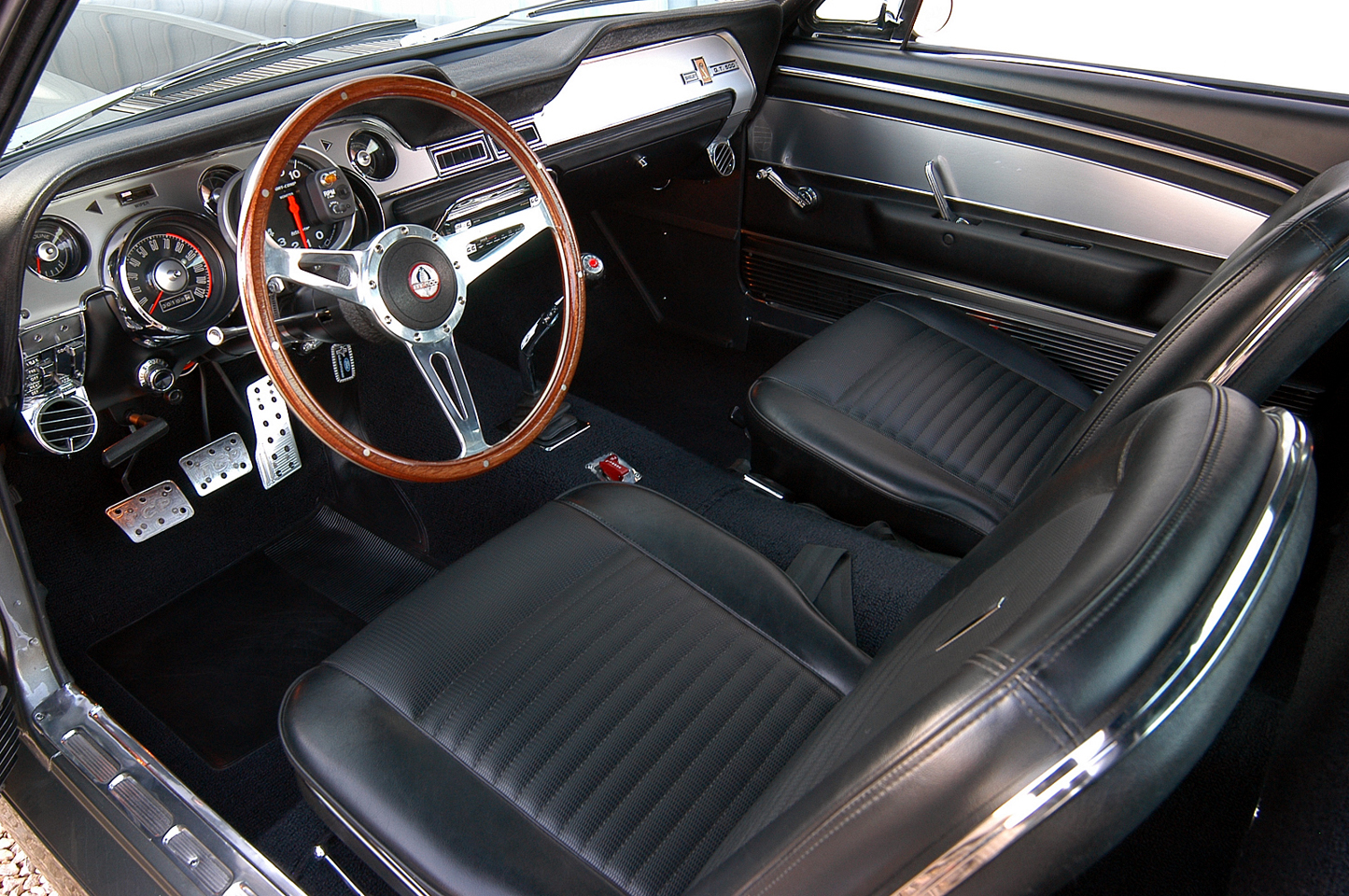 Ford mustang eleanor interior - Interior ford mustang ...