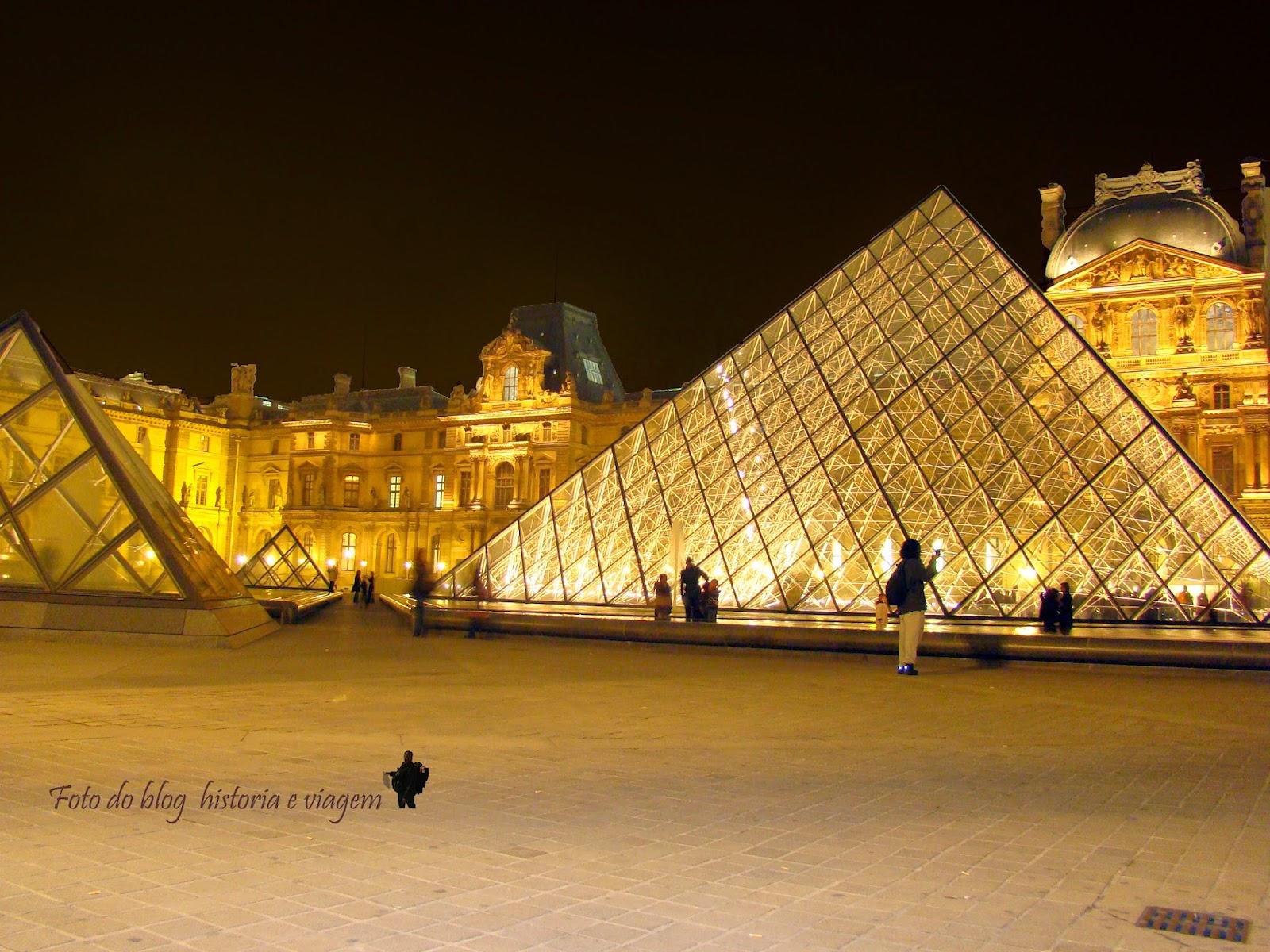 Museu do Louvre - Paris - França