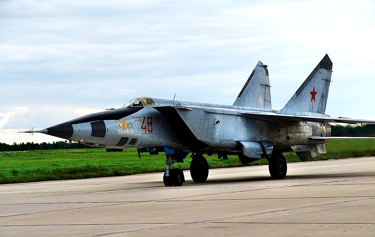 MiG-25 Foxbat Jet Fighter Wallpaper 4