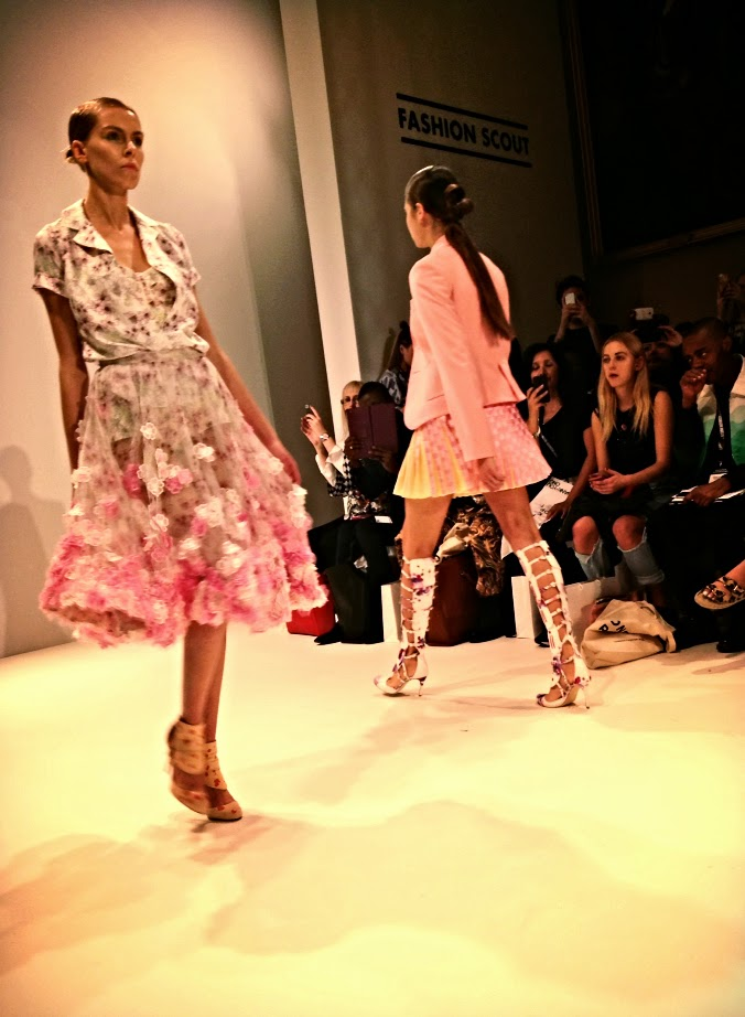 Oang Oaj Pairam london fashion week
