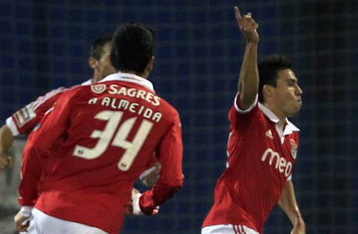 Benfica midfielder Nicolas Gaitán celebrates after scoring a goal against Estoril