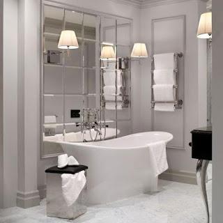 bagno con specchio immagine