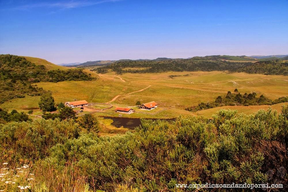 Fazenda Santa Cândida ao fundo, subida inicial da trilha