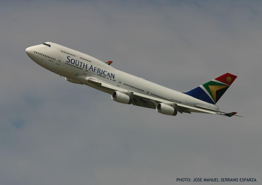 BOEING 747-400 JUMBO: THE EVOLUTIVE APEX OF A SUCCESSFUL PASSENGER AIRCRAFT  SAGA
