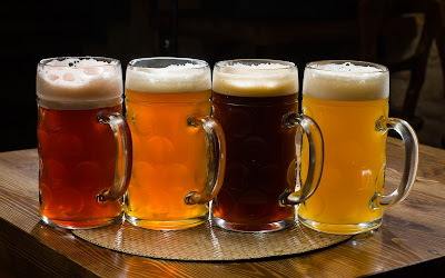 Cervezas bien frías - Very cold beers (1920x1200px)