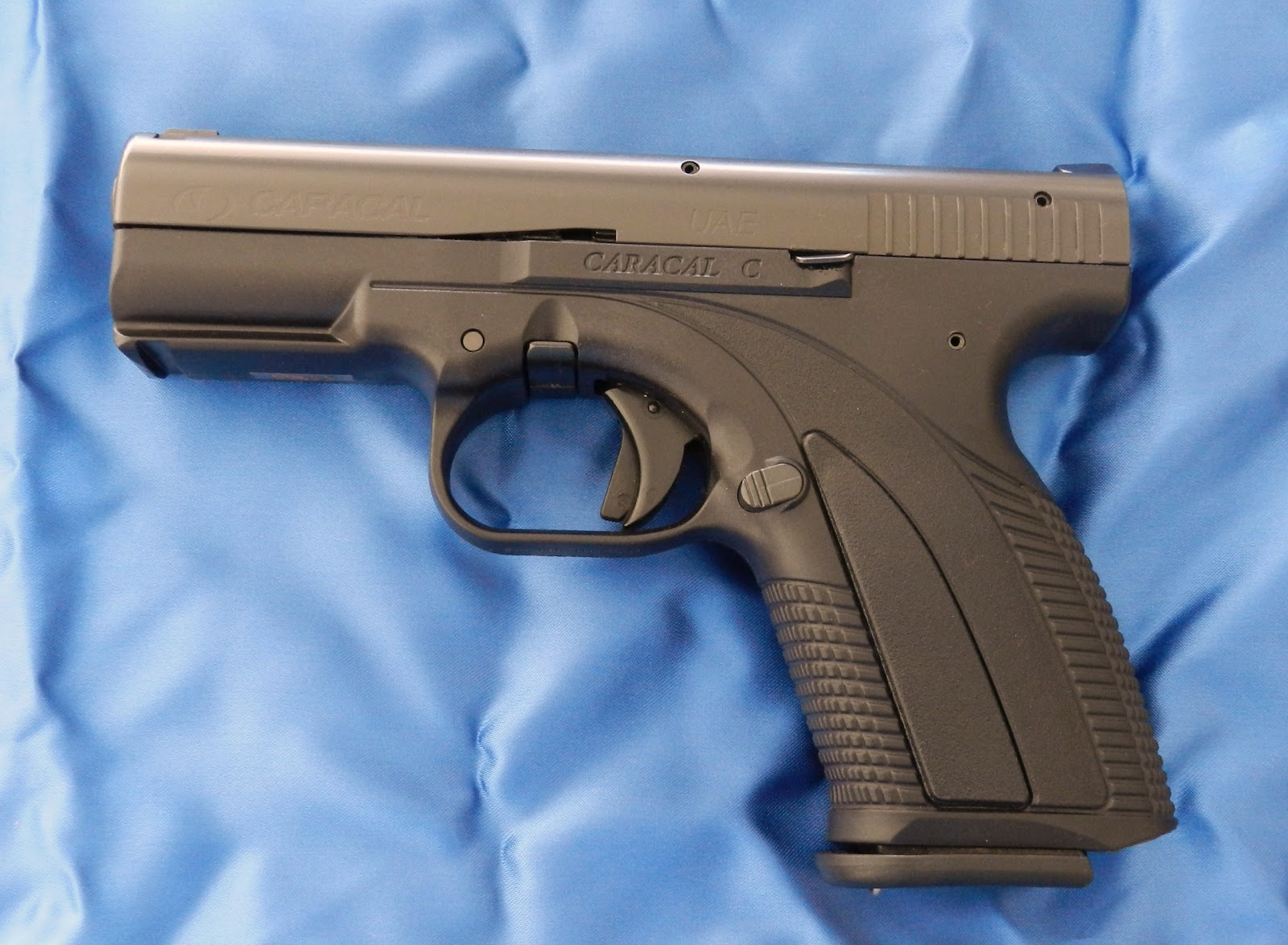 Foto de pistola caracal 92