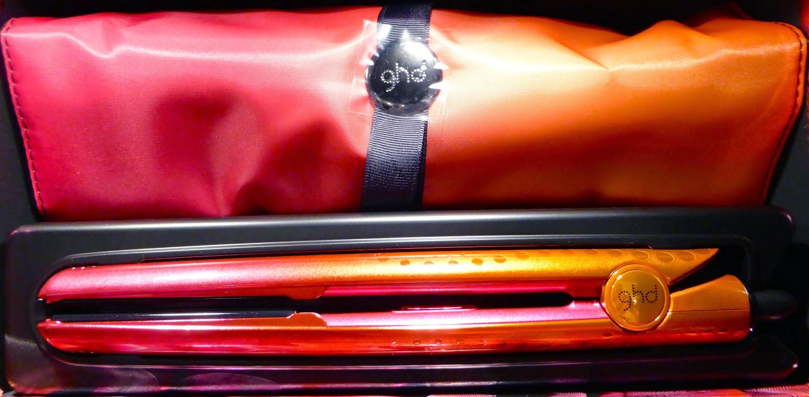 Le Studio 54 à Montpellier vous propose la version Coral du Styler GHD classic,  avec une offre spéciale contenant un bracelet LOLLIPOS