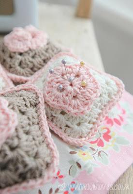 free crochet pattern granny square pincushion