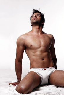Shirtless Bollywood Men: Farhad Shahnawaz