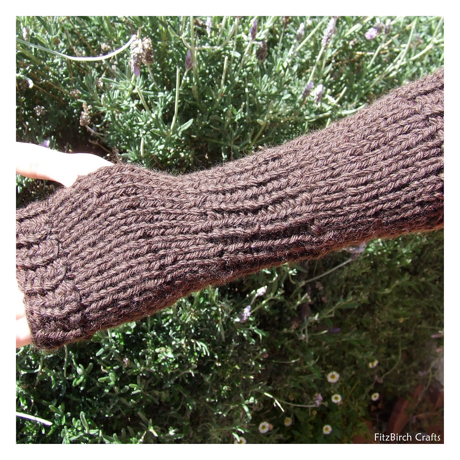 Loom Knit Fingerless Gloves Pattern : FitzBirch Crafts: Legend of Zelda Loom Knit Link Gauntlets (Fingerless Gloves)