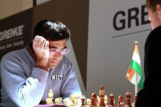 Echecs : Viswanathan Anand (2780) au Grenke Chess Classic Baden-Baden 2013