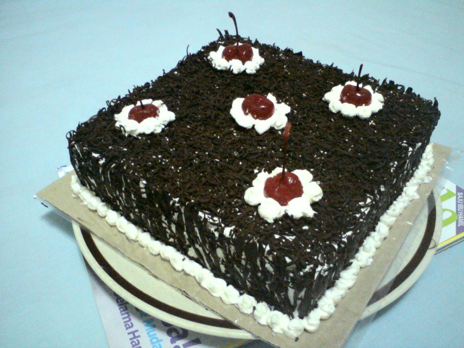 Gambar Kue Ulang Tahun Untuk Pacar Simple