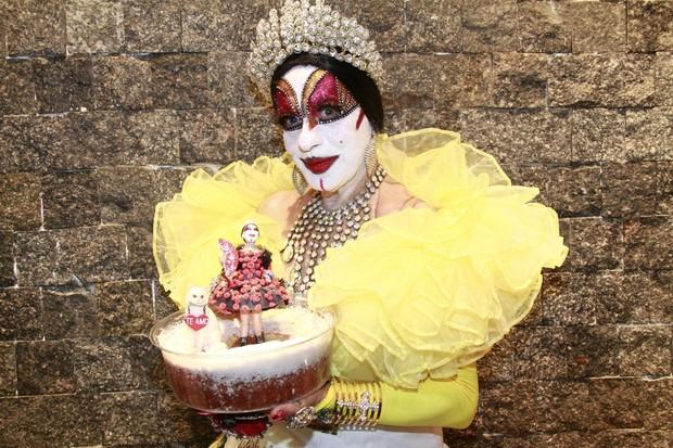 Isabelita dos Patins comemorou 65 anos com jantar no Rio (Foto: Isac Luz)