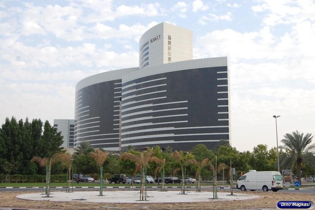 Grand hyatt hotel dubai united arab emirates dinodxbdino for Number 1 hotel dubai