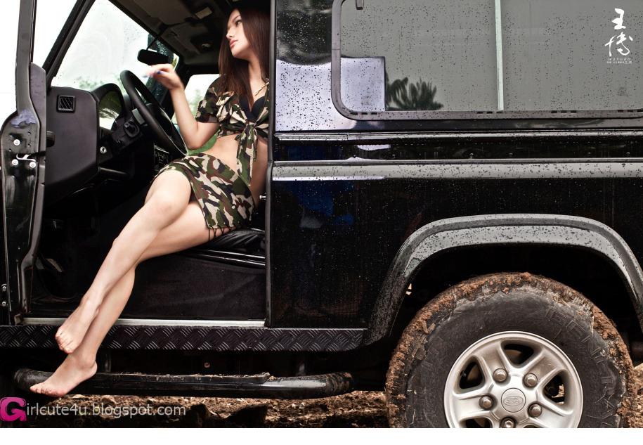xxx nude girls: Off-road world 2012