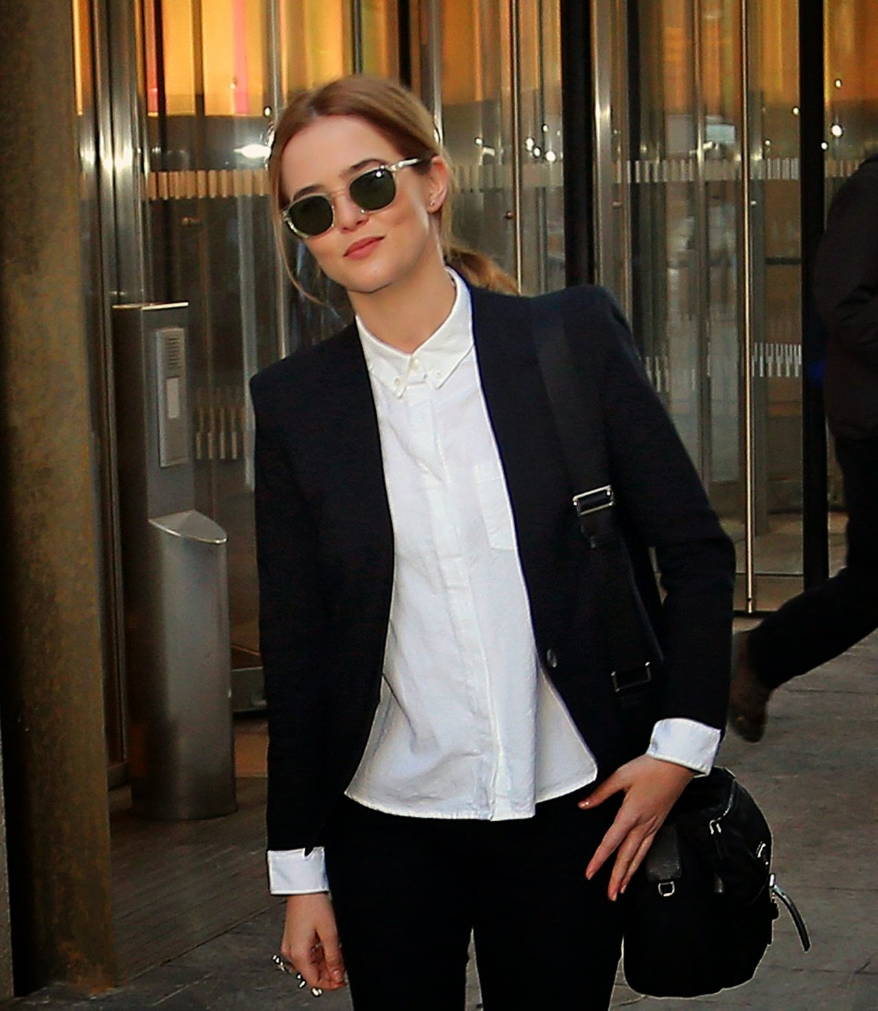 Actress: Zoey Deutch - Leaving The World Trade Center in New York City