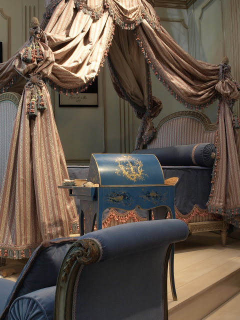 Eye for design the lit la polonaise elaborate and romantic beds - Chambre louis xvi occasion ...