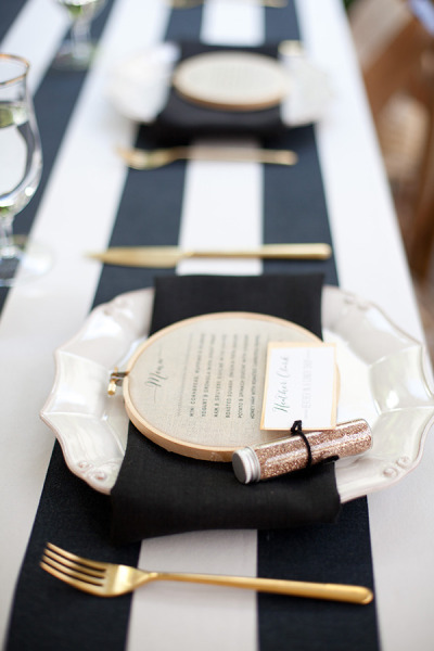 these embroidery hoop place setting sare sweet and personal - a great gift!
