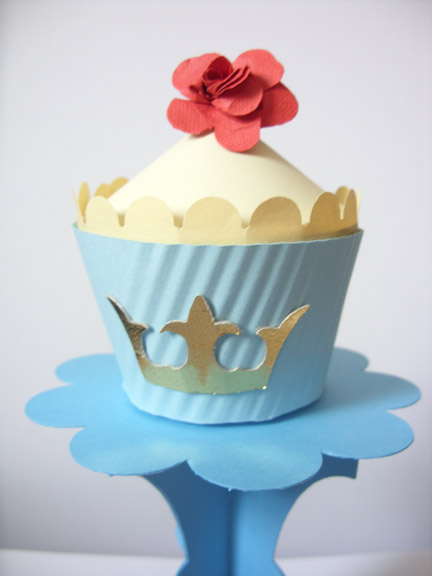 ideas for royal wedding cupcakes. royal wedding tea party ideas.