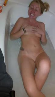 wet pussy - rs-2011-10-07_17-21-43_290-782718.jpg