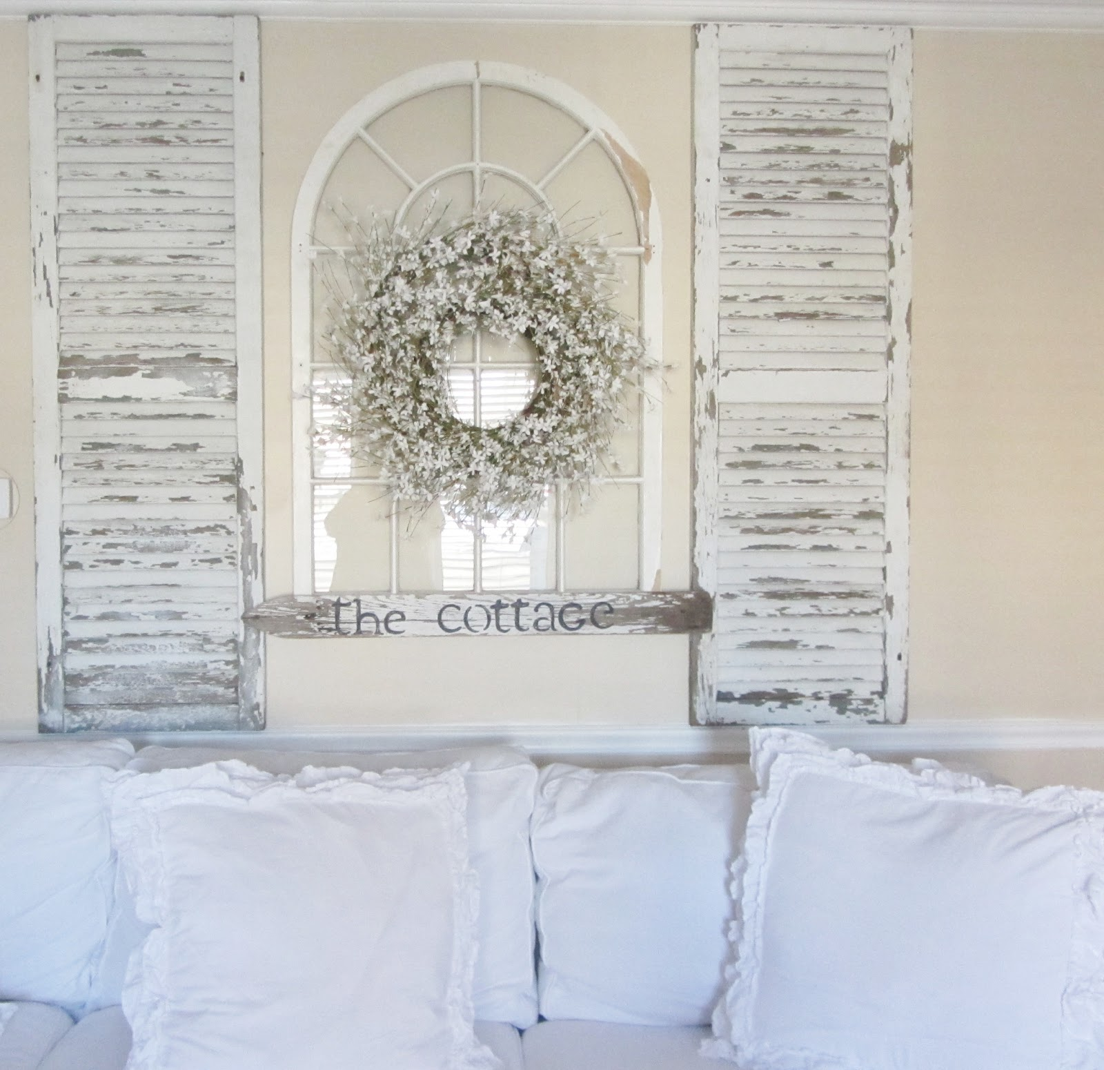Junk chic cottage for Window arch wall decor