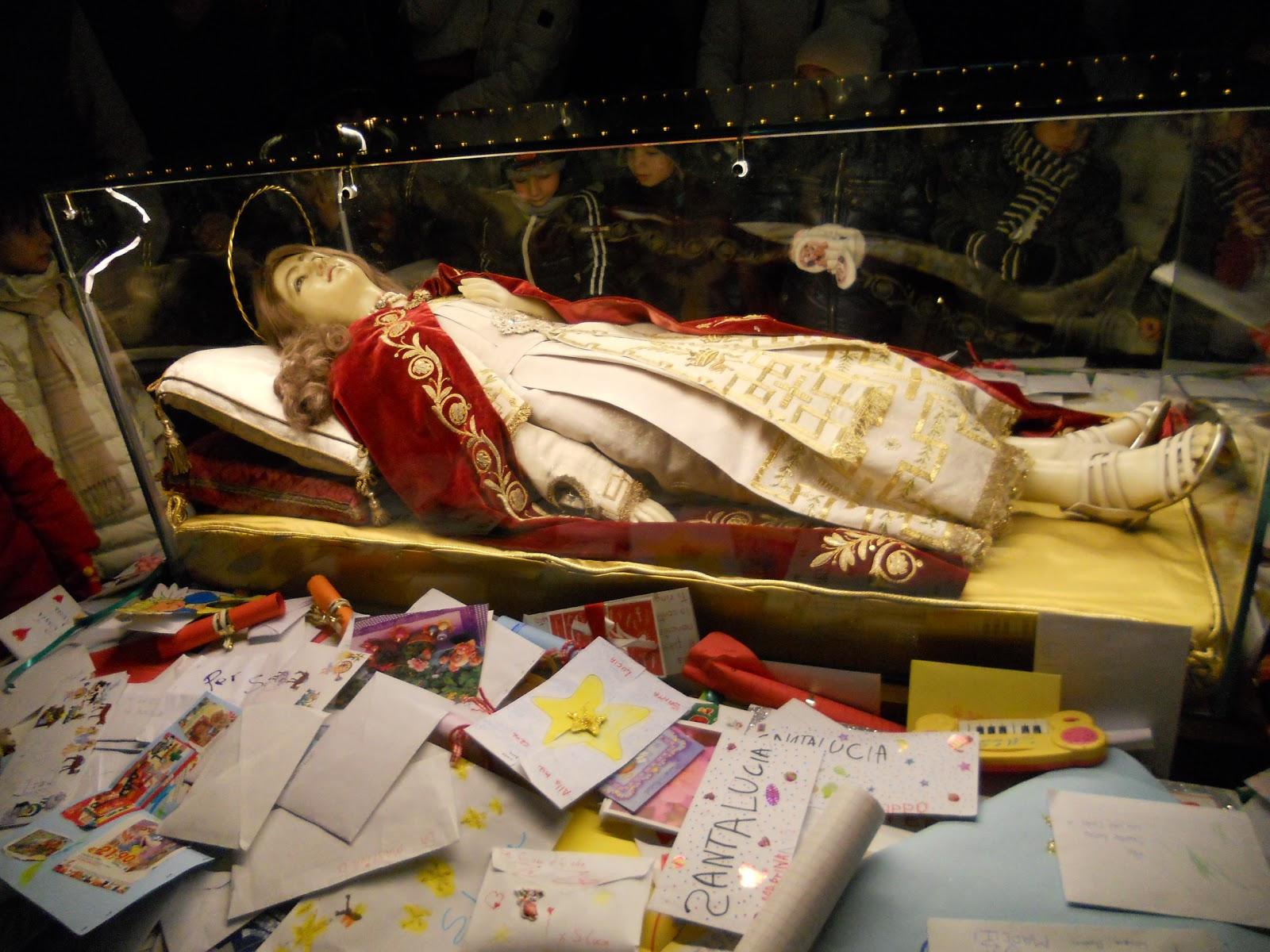 Ilclanmariapia tradizioni aspettando santa lucia - Rino gaetano nel letto di lucia ...
