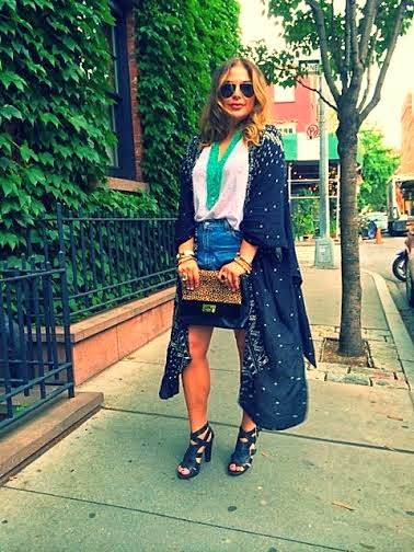 New York City fashion bloggers, Olivia Inkster, best style and beauty blogs, those kinds of girls, dressing up a kimono, how to wear a kimono, Ray Ban aviators, Black strappy leather heels, summer 2014 accessories, leopard clutch Kate Spade, west village in New York City NY