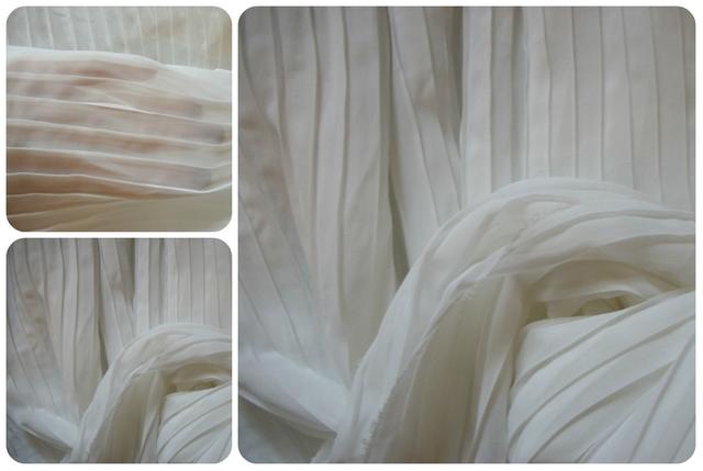 Tecido branco plissado para saia