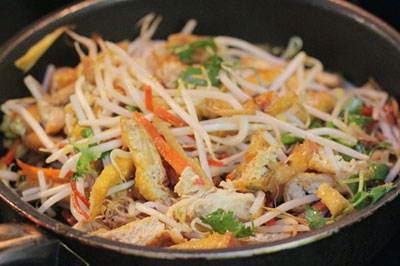 Vietnamese Recipes Vegetarian - Đậu Hũ Xào Giá