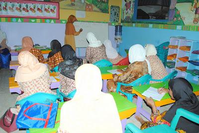 Foto Anak-Anak Lagi Sekolah