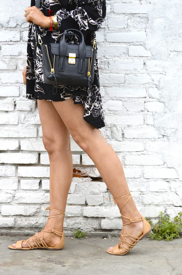Free People Tunic Dress, One Teaspoon Bandit Shorts, ShoeDazzle Gladiator Sandals, Phillip Lim Bag, Mirrored Ray Ban Aviators