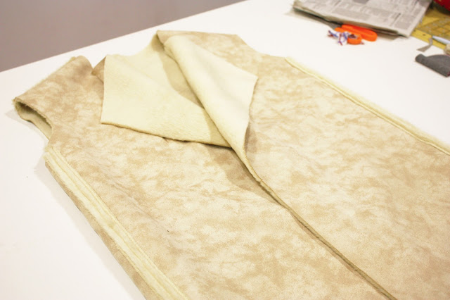 Abrigo de piel sintética. nairamkitty